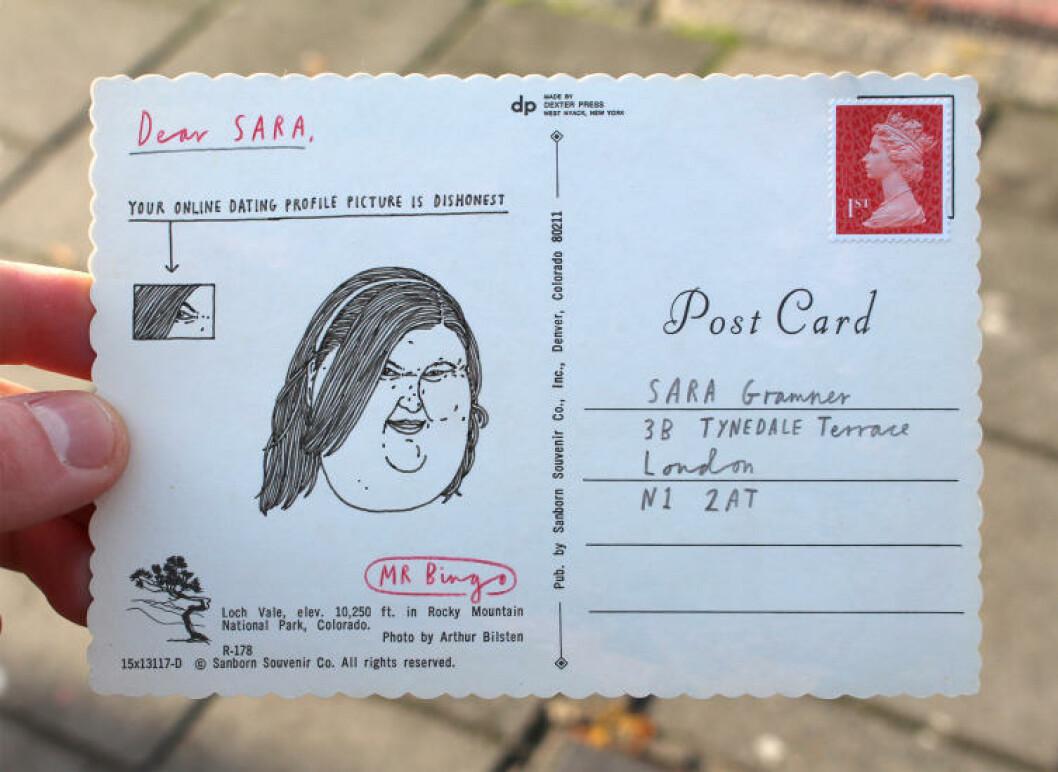 <strong>HUMORISTISK:</strong> - Jeg tror folk synes postkortene er morsomme, sier Mr. Bingo. Foto: Privat