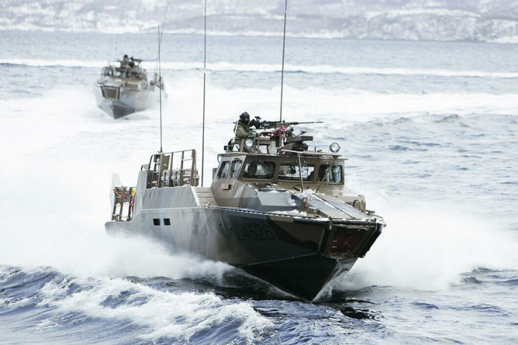 Fregatter, kommandofartøy, MTB-er, minejaktfartøy, minesveipere, logistikkfartøy og undervannsbåter deltar på øvelsen. Foto: Torbjørn Kjosvold/Forsvaret