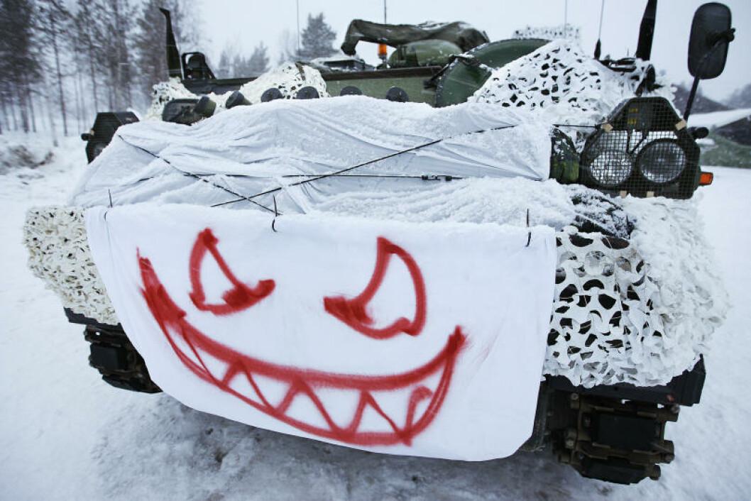 Det danske Tactical Air Control Party har pyntet sin M113 vogn og er klare for vinterøvelsen. Foto: Torbjørn Kjosvold/Forsvaret