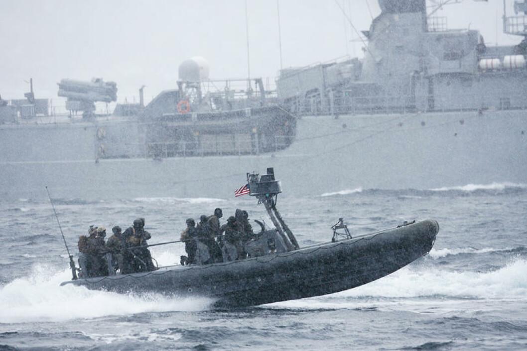 Den amerikanske elitestyrken US Navy SEAL er også med. Her utenfor Harstad. Foto: Torbjørn Kjosvold/Forsvaret